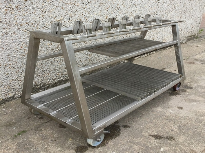 Trolley with round bar hooks