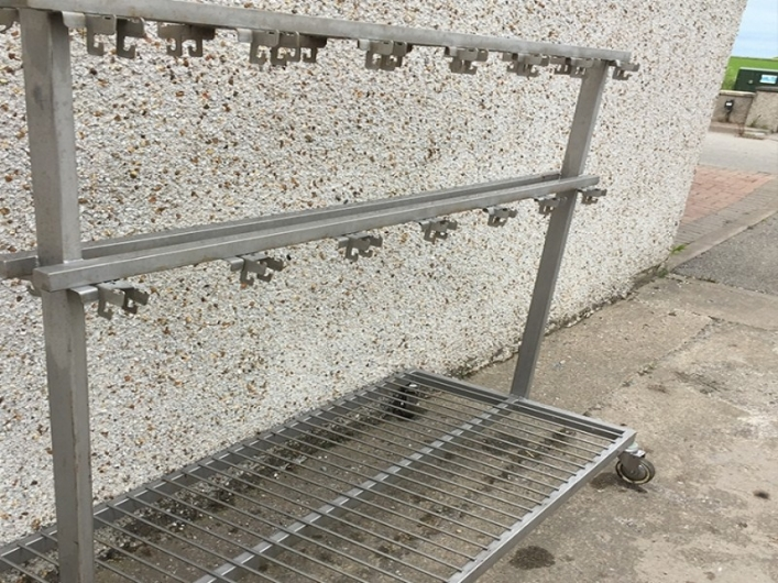 Trolley for machine parts