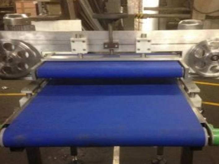 Inline Cutter for Bagels, Bread Rolls and other Bakery Products